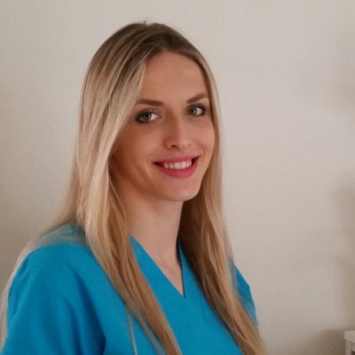 Amra Muminović | Stomatološka Ordinacija Dr Lejla Cerić-Džaferović